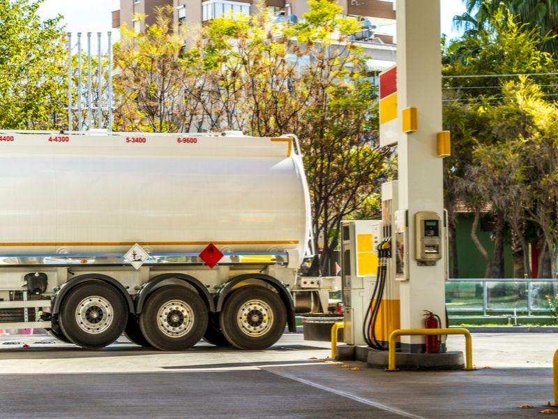 Additif carburant à base d'enzymes pour cuves, moteurs et réservoirs