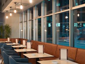 nettoyant désinfectant enzymatique pour vitres et mobilier en restauration hotellerie